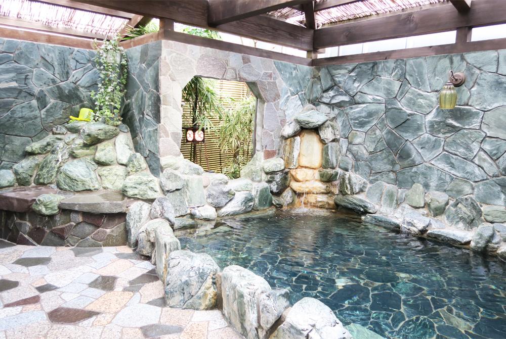 一の湯 露天風呂2(TOKYO SENTOより)