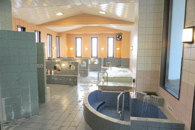 稲荷湯 浴室2・1階(東京銭湯より)